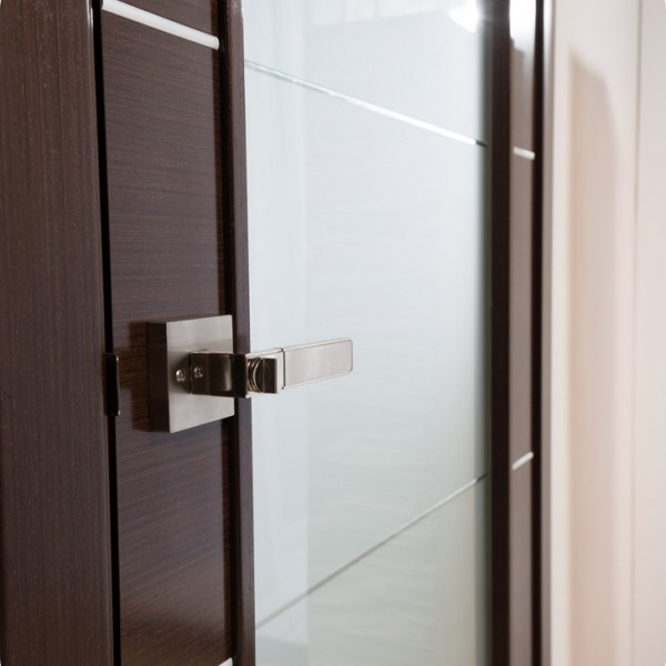 Arazzinni Mia Vetro Interior Door in a Wenge Finish with Silver Strips and Frosted Glass 3