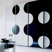 Aries-Closet-Door-,-Black-and-Whiter-CSD-16